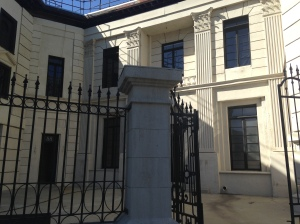 """Bet your bottom dollar this """"The Embassy"""" building allowed Annie to dream this set could be a Daddy Warbucks mansion"""