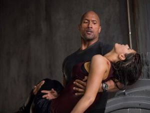 Super dad Ray's (Dwayne Johnson) driving goal is to save his daughter Blake (Alexandra Daddario)
