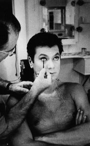 Makeup was an essential factor in convincingly playing Josephine and Daphne. Tony Curtis pictured here in the makeup chair.